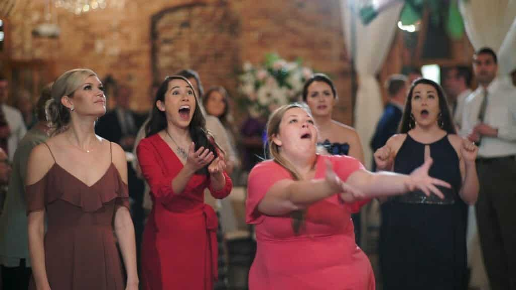 Bouquet Toss Fail